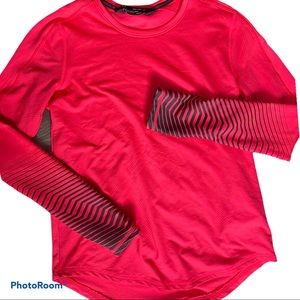 Under armour hot pink long sleeves coldgear YXL